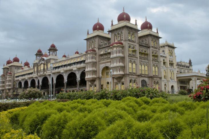 Mysore Palace. Mysore City darshan Cab ,cabsrental.in