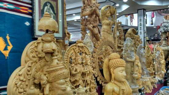 Wooden Toys.Mysore City darshan Cab,cabsrental.in